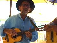 Musicien chanteur de plage au Brésil
